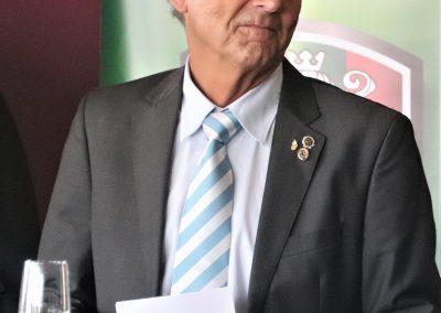 Wolfgang Wagner verleiht die Sportabzeichen